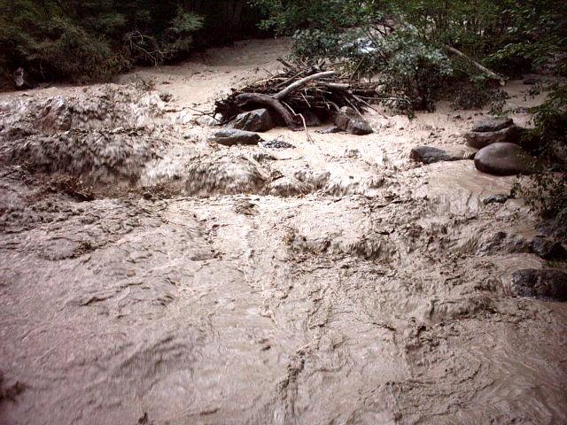 2625921444818 coulee de boue jpg