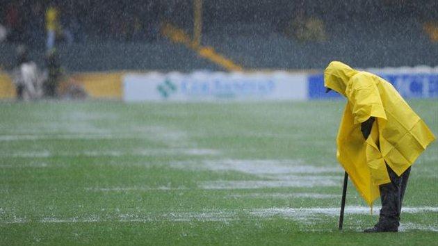 Foot sous la pluie2 o1es8l